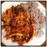韓国田舎家庭料理 東光 - イカ炒めご飯。辛そー