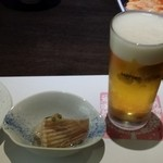 あま屋 - ビールと通し(カスベ)