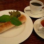 ミモザ - ドッグサンド、珈琲、紅茶