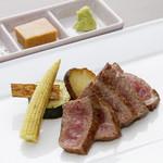 最高級の黒毛和牛の2時間焼きステーキ 100g