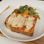 Maisai - サーモントースト サラダ付 ¥680