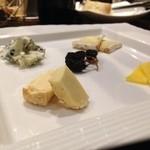 アルモニーア - チーズの盛り合わせ
