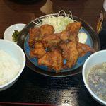 Kawasakiya - からあげ定食 から揚げがなんと8個も!