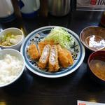 とんかつ浜勝 - 「盛り合わせかつ定食」990円(消費税5%込)