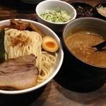 27094938 - つけ麺 醤油(700円)無料の中盛