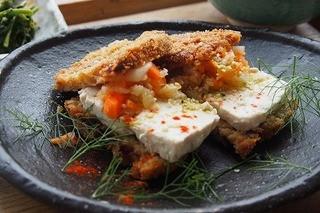 マゴコロ - テンペの香草カツレツはサクサクでいいお味です
