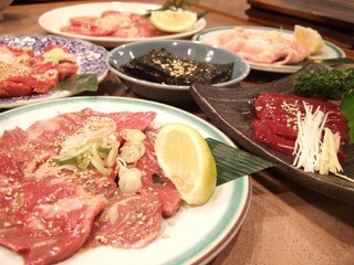 焼肉苑 麻布十番店 - 肉いろいろ by ぽいぇっとぽるしぇ