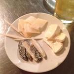 27102178 - チーズ3種盛り