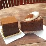 27109730 - 石畳チョコレートケーキ&チョコレートケーキ