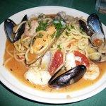 プチラパン - 魚介のトマトソース