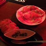 ベルズ グリル アンド ジャズ - 生ハムと鶏レバーパテ