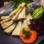 和欧DINING PAUSE - 京都半兵衛麩 中上げ湯葉の刺身 ¥780