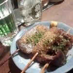 27128780 - 静岡三種盛り                       黒はんぺん、こんにゃく、牛すじ肉