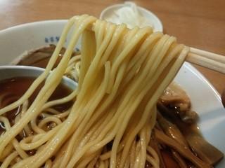 中華そば ひらこ屋 - 麺リフト