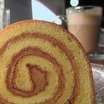 シトロンサレ - 塩バターキャラメル・ロールケーキ