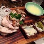 27132589 - 鶏ムネ肉の藁焼き