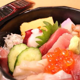 相模湾の海鮮丼(ランチ限定メニュー)