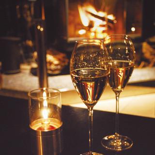 世界の銘酒と共に、美味しい酒肴が愉しめる