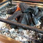 百姓や - 炭火で焼きます