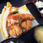 とん喜多 - 盛合せ A(ひとくちヒレカツ×2 海老フライ 唐揚げ イカフライ)定食  ¥1,600