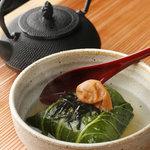 鉄板じゃけん もり -  広島菜でまいた焼きおにぎり茶漬け