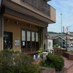 辻町Calme - 地図の表示とは多少ずれていて、お店は角にあります。(2014.04)