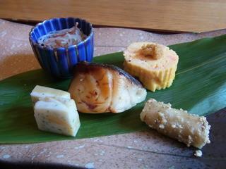 天毬 - 八寸。鰆の焼き物や桜海老の出汁巻き玉子でした