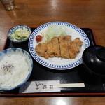 三遊司 - とんかつ定食(豚ロース)850円