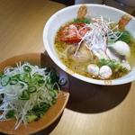 まる潮 - 料理写真:『潮+焼きトマト+白髪ネギ(¥800+100+100)』...