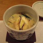 旬房楽楽 - 松茸の茶碗蒸し。