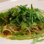 セントベーネ - ヤリイカとアワビ茸のペペロンチーノ・アンチョビ風味スパゲティー