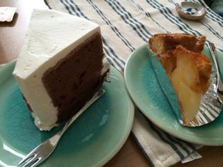 カラフル・ペア - シフォンケーキとアップルパイ