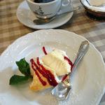 トラットリア ダ ゴイーノ - ランチデザートのパンナコッタ