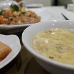 竹琳 - 溶き卵スープ。尖った刺激がなく、穏やかなスープです。