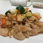 竹琳 - 粒コーン、ズッキーニ、筍、シメジ、たっぷりの鶏もも肉・・・