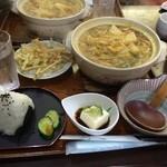 めん専門店 味良 - 定番のカレー煮込み(2014年)固い揚げ、にんにく入り、牛蒡の天ぷら。