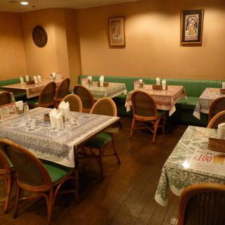 大阪駅前ビル地下街で、一番古いインド料理店。