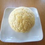 もみの木 - 料理写真:メロンパン140円