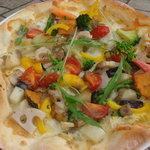 カポディモンテ - たっぷり野菜の菜園風ピッツァ、バーニャカウダソース。ソムリエ厳選野菜です。