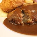 キッチン ノム - 料理写真:肉汁たっぷりのパンバーグ