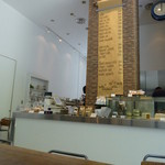 エルマーズグリーンカフェ - 2014年5月天井がとっても高くて、良い感じ!!