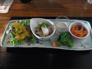 ビストランテ・ボヌール - Bランチ(1500円)の前菜。ワインがほしくなります