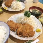 竹乃 - ランチのロースカツ(手前)とチキンカツ(奥) (2014.5.11撮影)