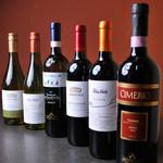 つむぎや テッパンヤキ - お料理に合わせたワインも豊富に取り揃えております。