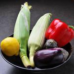 つむぎや テッパンヤキ - 旬の新鮮野菜で作る自慢の鉄板料理をお楽しみください。