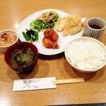 てんこち酒場 - 日替わり定食 ¥720  大分風とり天 アスパラの胡麻和え ジャガイモの煮っ転がし 春雨の中華サラダ 味噌汁