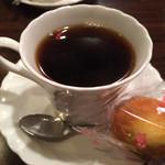 27216855 - アフターコーヒーは甘い物付き