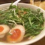 中国屋台十八番 - 水菜のはりはりラーメン 750円