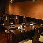 ガッロネロ - テーブル席は、6名4名席になります。