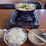 27237748 - 龍ちゃん ホルモン鍋定食 756円